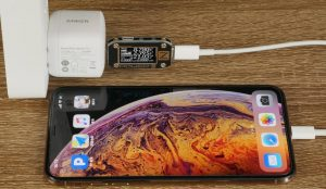 Anker GaN 27W charging iphone XS Max