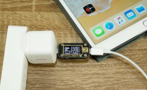 Anker GaN PD chargers charging ipad pro